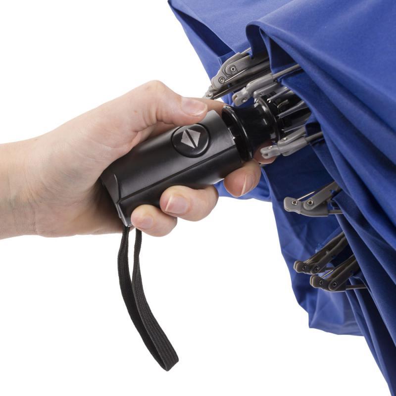 Taschenschirm mit Reflektorstreifen
