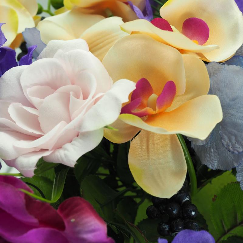 Blumengesteck im Topf